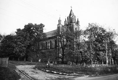 Петропавловский костел XIX века в Жупранах