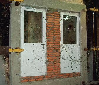 Противопожарная дверь с остеклением более 25%